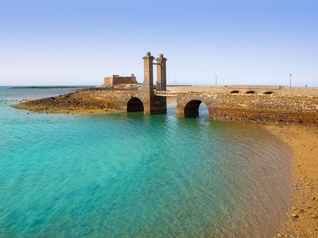 Castillo San Gabrielle Castle and Puente de las Bolas Bridge, Arrecife