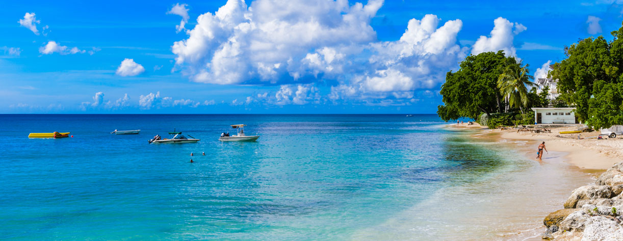 Clear blue sea and beach in Bridgetown, Barbados