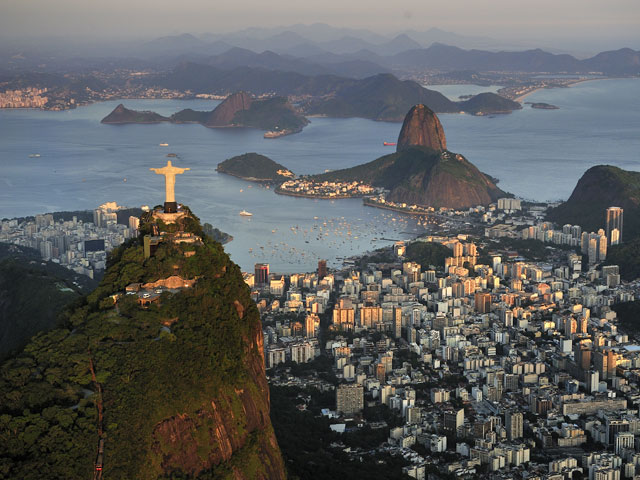Christ the Redeemer statue overlooking Sugarloaf mountain
