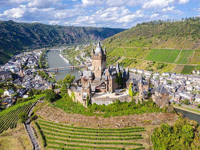 Reichsburg Cochem on the Moselle valley